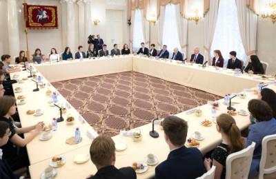 Сергей Собянин поздравил московских школьников