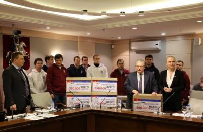 350 тысяч жителей Москвы оставили свои подписи в поддержку законопроекта, предусматривающего введение дополнительных льгот на оплату капитального ремонту
