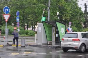 Правительство Москвы приняло решение продлить срок действия резидентных парковочных разрешений