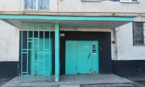 Две лестницы отремонтируют в доме №8 на Медынской улице