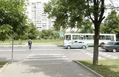 В Востряковском проезде нанесли дорожную разметку