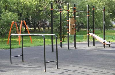 В районе Бирюлево Западное отремонтировали спортивные площадки
