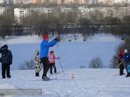 В ЮАО около 2000 жителей приняли участие в Лыжне России