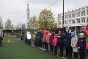 Праздник в преддверие Дня семьи на школьном стадионе