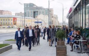 Благоустройство Житной улицы и Коровьего Вала завершится через несколько дней