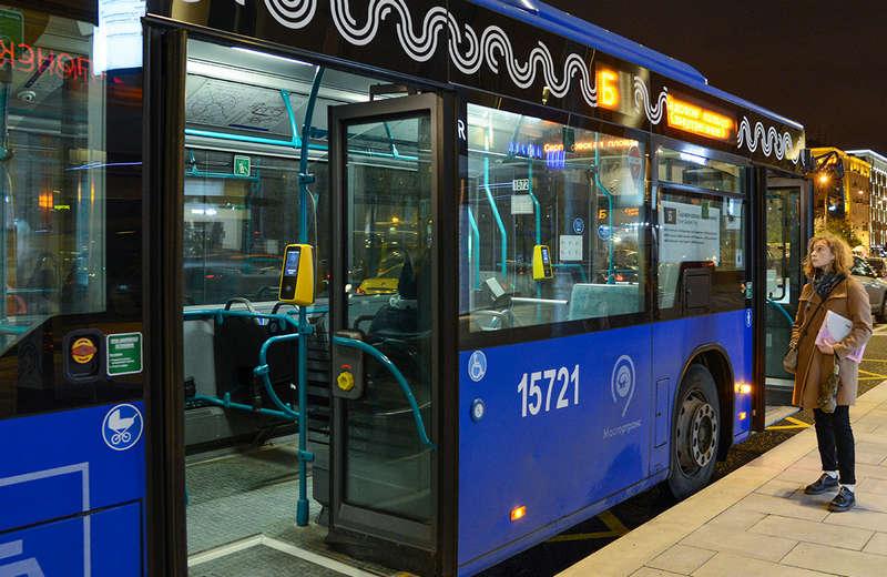 В Бирюлеве Западном наземный транспорт будет работать в новогоднюю ночь