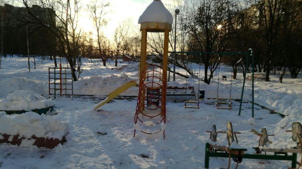 Детская площадка на Харьковской улице