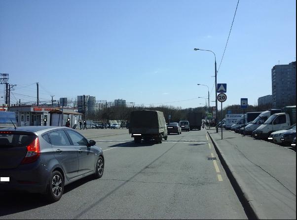 Отремонтированная стойка с дорожными знаками