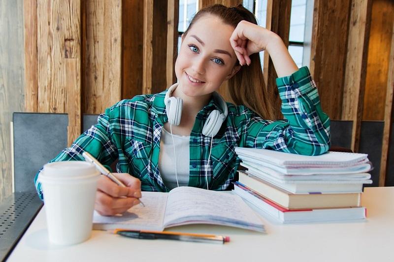 пиксабай студент
